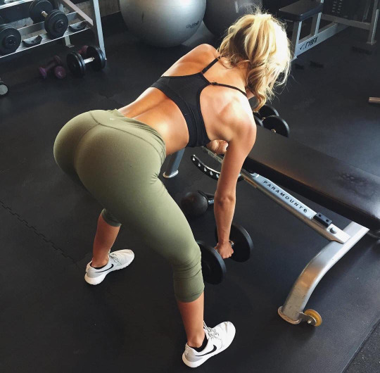 Ebony gymnast porn pic