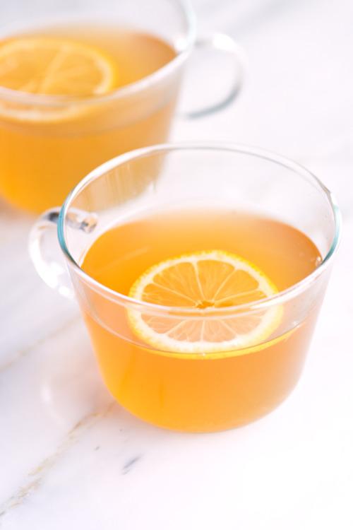 5 Super Critical Benefits Of Lemon Water – Femniqe